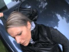 Rychlý prachy ve falešném taxíku – Samantha