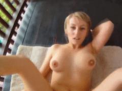 Špionážní kamera – krásna blondýnka