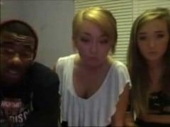 Černoch vyšuká 2 bílé holky