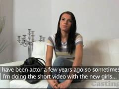 Porno casting – překrásná brunetka (HD)