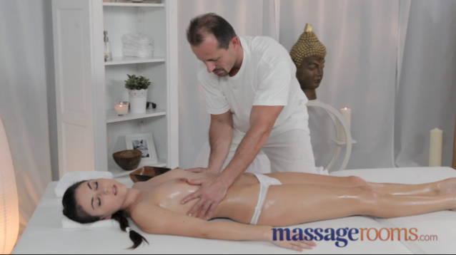 masáž penisu šukačka