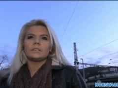 Rychlý prachy – blondýna ze zastávky (HD)