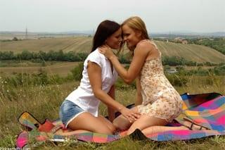 sex shop brno mlade lesbicky