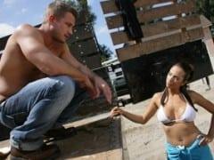 Dělník ojede dceru zákazníka