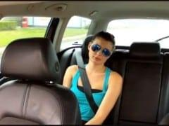Česká dvacítka vymrdaná v taxíku