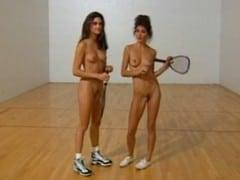 Lesbický sex na squashi