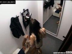 Šílenost: skrytá kamera v českém nákupním centru (HD)