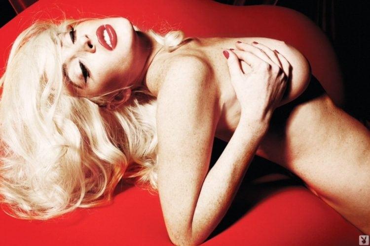 Lindsay-Lohan-Naked-05-1024x682