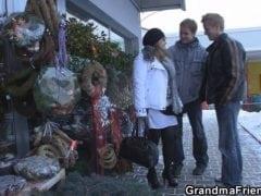 Dva Češi sbalí pořádnou maminu na ulici (HD)