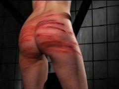 Seřezali jí prdel do krve (HD)