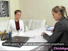 Female agent – absolventka
