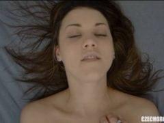 Jak se tváří česká holka při orgasmu