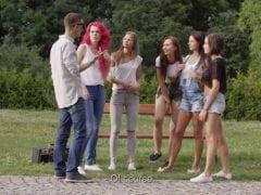 Český borec ošustí 5 holek v parku
