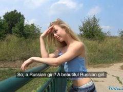 Public agent – Ruska na procházce