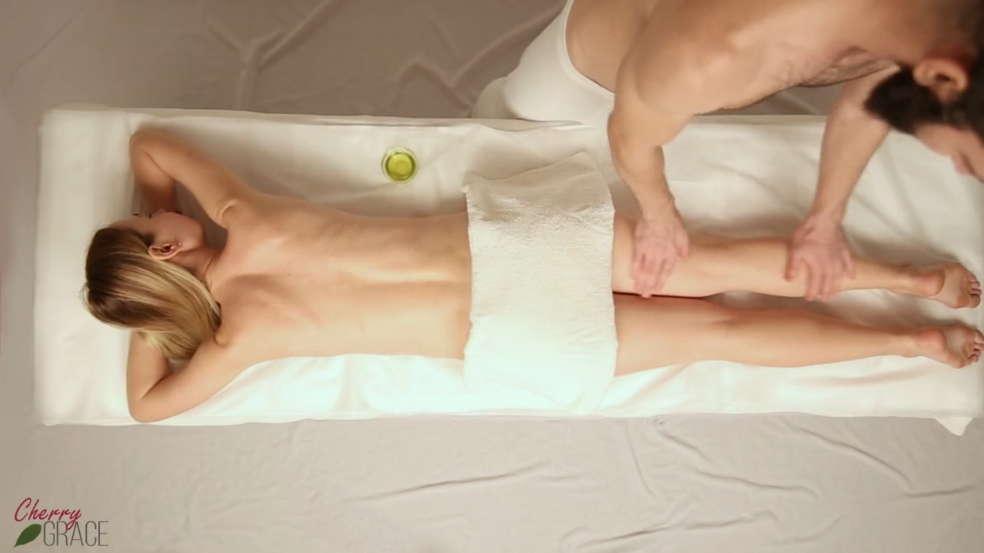 masáž celého tela s sex video Japonský Teen porno pic