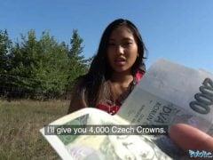 Rychlá prachy – asijská turistka
