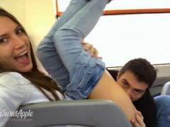 Nadrženci riskují sex ve vlaku