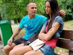 Český debil přinutí svou přítelkyni k prostituci