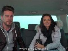 3 lidi si užijí s Českou holkou v mikrobusu