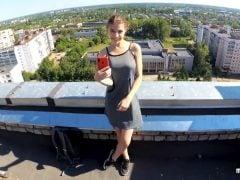 Sex na střeše ruského paneláku
