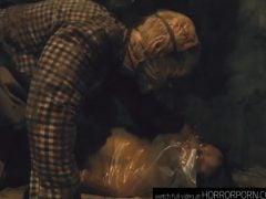 Bestie chová čubky na maso – horror porn