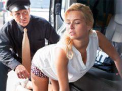 Český prodejce aut ojede ženskou ujetou na velké auta