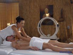 Poctivá masáž se šťastným koncem